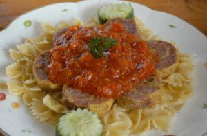 Rollade-Saus-Tomat-Pasta-Parfale